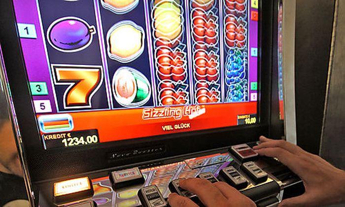 THEMENBILD Glücksspiel