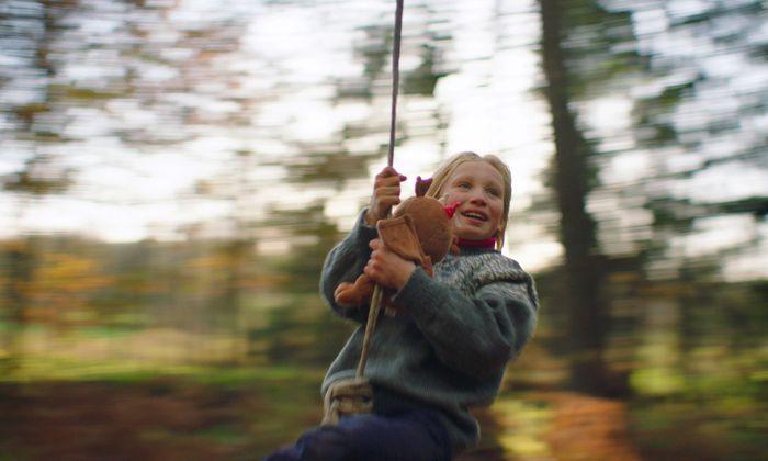 Wie Helena Zengel die neunjährige Benni mimt, nimmt einen mit. Im doppelten Sinn des Wortes.
