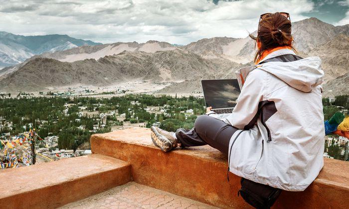 Marketing. In der Tourismuswerbung wird zunehmend auf den Einfluss von Influencern gesetzt, als neue Marketinginstrumente. Wer