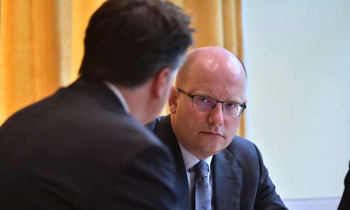 Tschechiens scheidender sozialdemokratischer Premier, Bohuslav Sobotka, beim Interview im Hotel Sheraton am Rande des Salzburger Austerlitz-Gipfels.