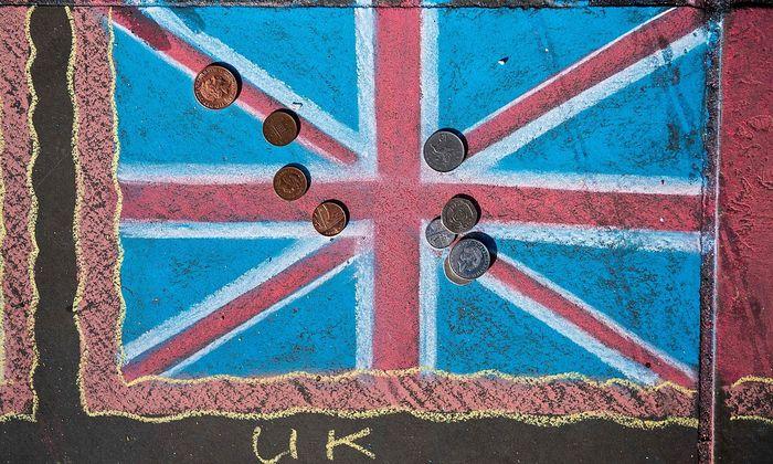 Der Brexit kommt die Briten teuer zu stehen. Da ist jedes Pfund recht.