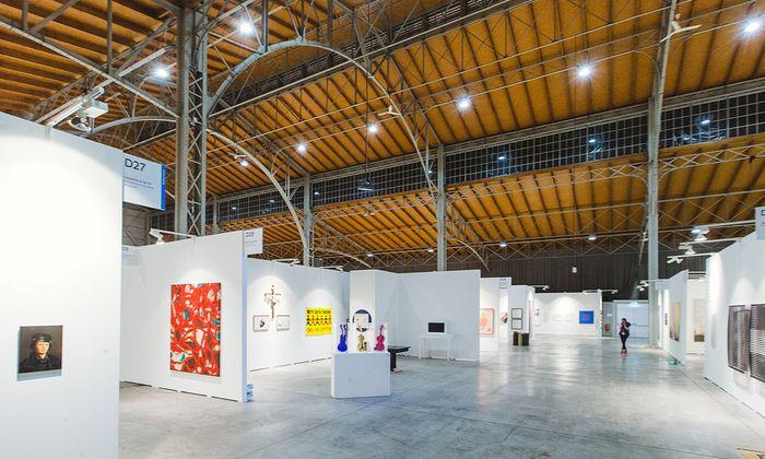 175 Meter lang, 114 Meter breit, 17 Meter hoch: Die Ästhetik der ehemaligen Rinderhalle in St. Marx überzeugt nicht nur die Galeristen.