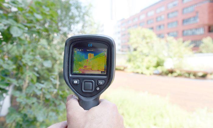 Die Thermokamera zeigt Hitze-Orte.