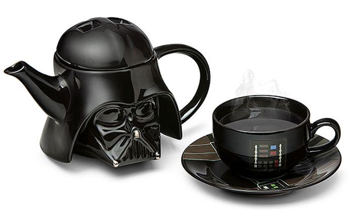Das Teeset gibt es hier: http://www.thinkgeek.com/product/jvqr/