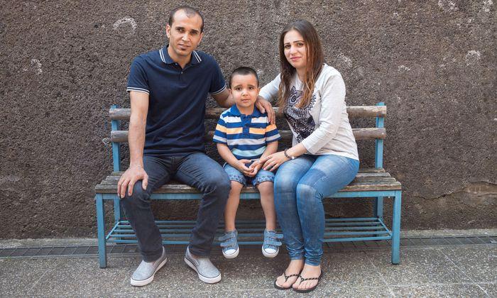 Amena (26) flüchtete im Sommer 2015 mit ihrem damals zwei Monate alten Buben Taleb aus Syrien. Heute lebt sie in Steyr – ihr Mann Mohammed durfte im Dezember 2016 nachkommen.