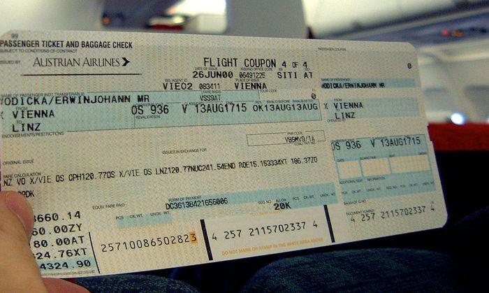 Ticket der AUA - oesterr. Fluggesellschaften