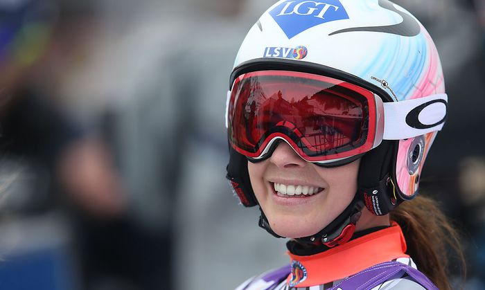 Die strahlende Siegerin Tina Weirather
