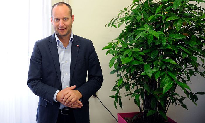 Neos-Parteichef Strolz ist nicht ganz zufrieden mit der Entscheidung seiner Partei, Cannabis legalisieren zu wollen.