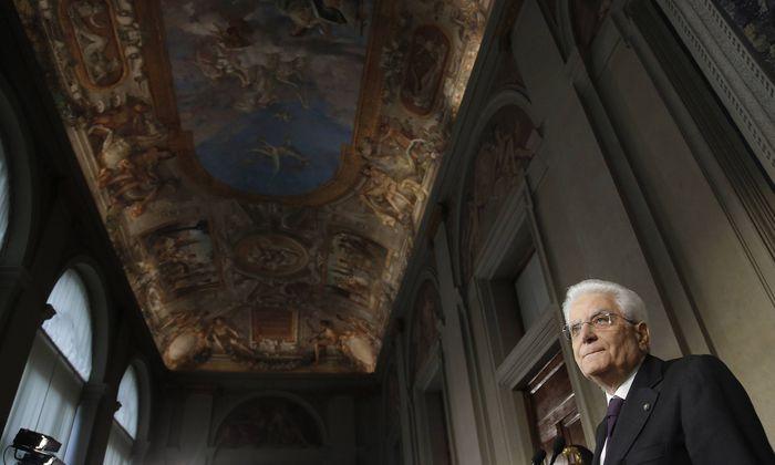 Die rechte Lega und die populistische Fünf-Sterne-Bewegung wollen dem italienischen Staatspräsidenten, Sergio Mattarella, die Ergebnisse ihrer Regierungsverhandlungen präsentieren und Namen nennen.