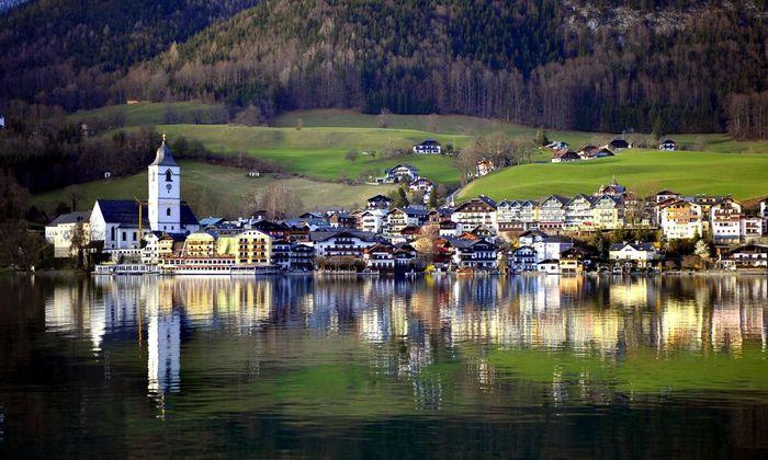 In St. Wolfgang gefährdet der jahrelange Schlendrian mit Bauvorschriften nun sogar die Gemeindefinanzen.