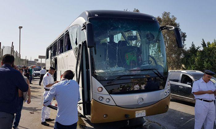 Der von einer Explosion beschädigte Bus