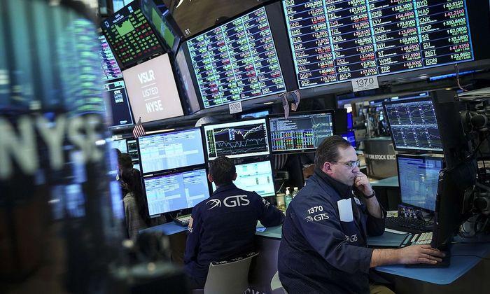 US-BANK-EARNINGS-BOOST-MARKET-INDEXES