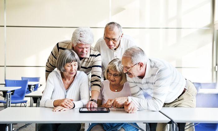 Auch Senioren wollen an der digitalen Welt teilhaben. Die Nachfrage nach einschlägigen Kursen ist entsprechend groß.
