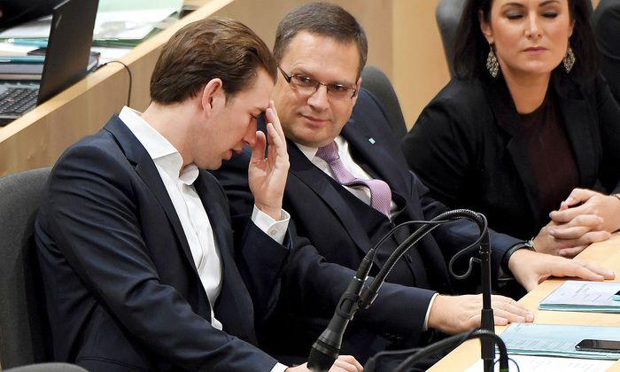 Sebastian Kurz und VP-Klubchef August Wöginger am Mittwoch im Nationalrat.