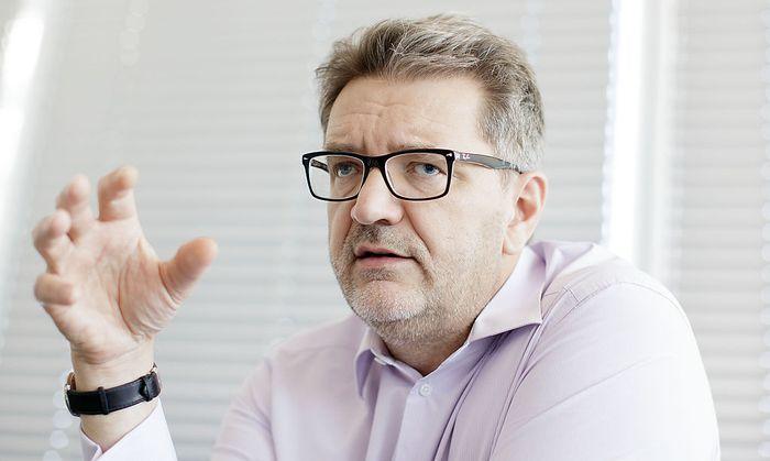 INTERVIEW MIT DEM WIENER FLUeCHTLINGSKOORDINATOR PETER HACKER