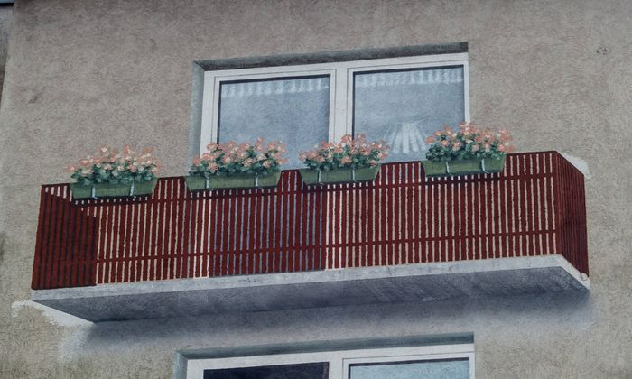 gemalener Balkon auf einer Hauswand Balkon Teras BLWX014158 Copyright xblickwinkel McPhotox Erwin