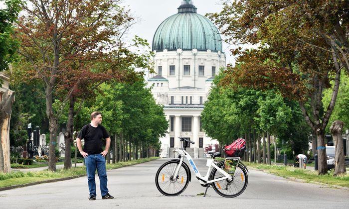 Bis zur Luegerkirche im Hintergrund geht es gemütlich zu Fuß, für die weniger frequentierten Bereiche dahinter kann ein E-Bike hilfreich sein.