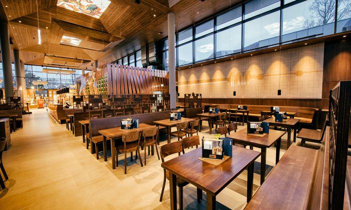 Drinnen bietet das neue Donaubräu 150 Sitzplätze, im Gastgarten sind es noch einmal 430 Plätze. Gleichzeitig eröffnet auch das neue Donaucafé.