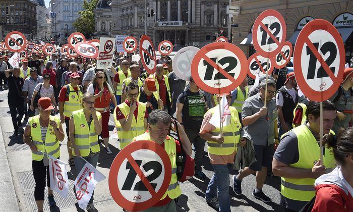 Die Hoffnung, die sich die SPÖ nach der Großkundgebung gegen den Zwölf-Stunden-Tag im Herbst machen durfte, ist vorerst dahin.