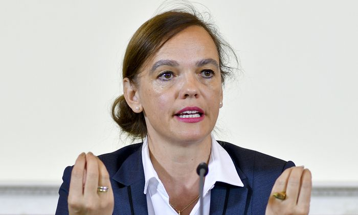 MINISTERRAT - DEBRIEFING: HAMMERSCHMID
