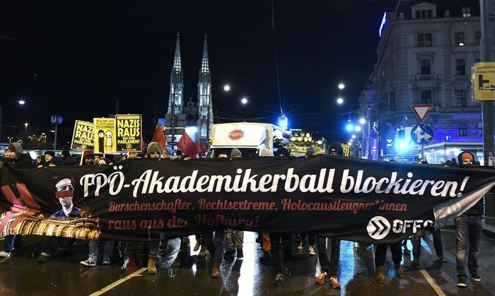 WIENER AKADEMIKERBALL: PROTEST
