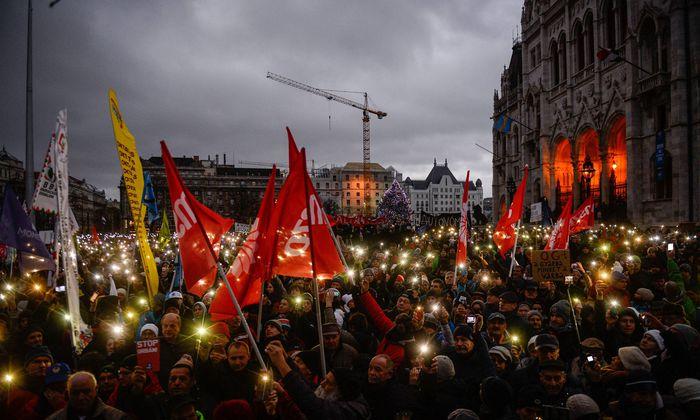 Budapest Tausende demonstrieren gegen Orban Regierung January 5 2019 Budapest Hungary Demonst