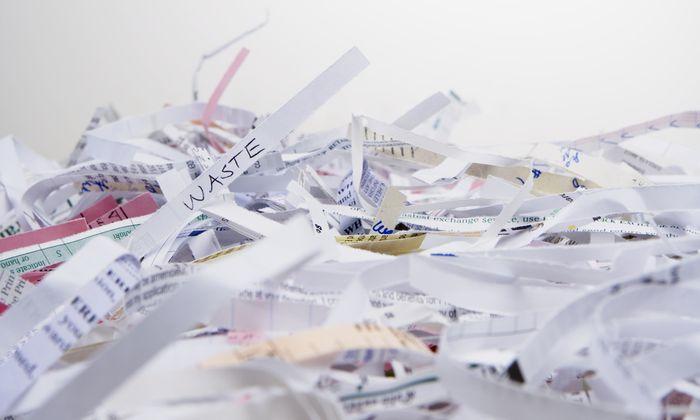 Nicht nur Papier, auch Festplatten lassen sich schreddern. Meist reicht einmal.