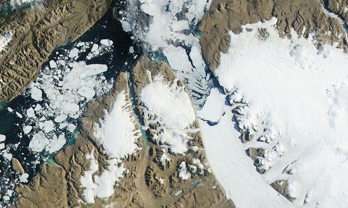 Riesiger Eisberg brach Gletscher
