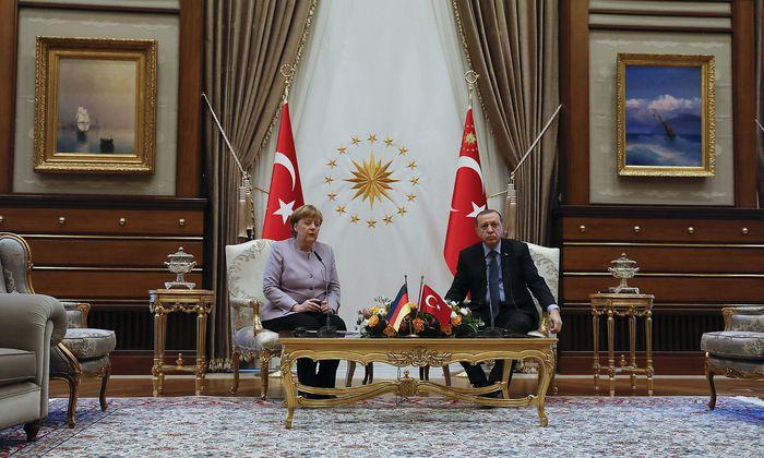 Turkish President Erdogan and German Chancellor Merkel meet in Ankara