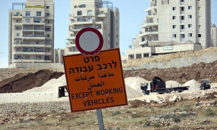 300 neue Wohnungen sollen im Westjordanland gebaut werden. Isreal breitet sich weiter auf besetztem Gebiet aus.