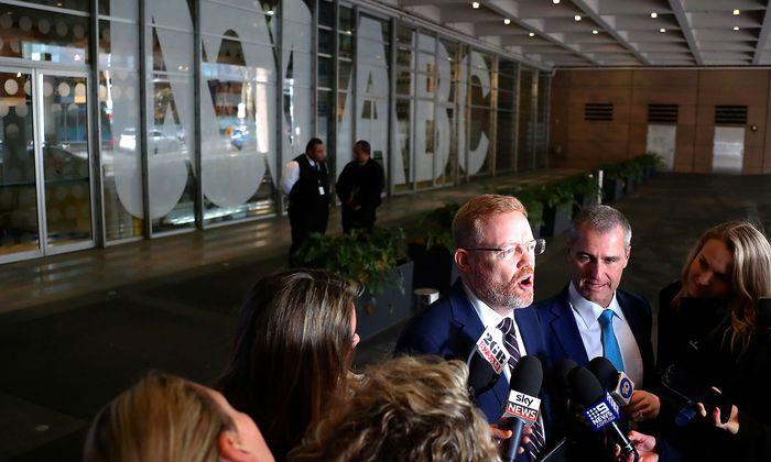 ABC Chefredakteur Craig McMurtie erzählt anderen Medien von den Durchsuchungen bei ABC.