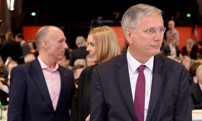 Rochaden in der SPÖ: Alois Stöger (vorn) soll Sozialminister werden. Für das Infrastrukturministerium sind Sonja Steßl (derzeit Staatssekretärin) und Gerald Klug (Verteidigungsminister) im Gespräch.