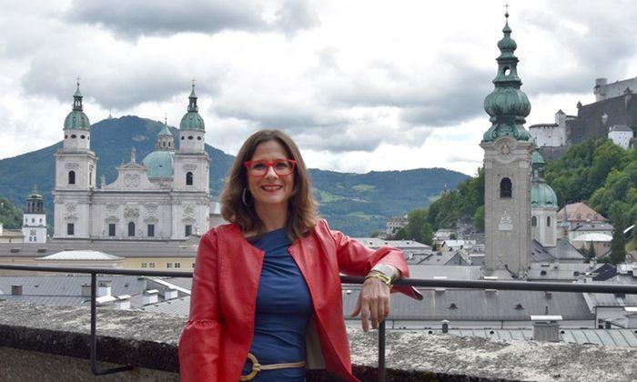 Barbara Crotti leitet die Statisterie für den Opernbereich bei den Salzburger Festspielen.