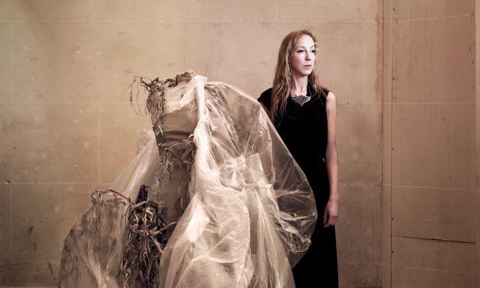 Visionärin. Iris van Herpen macht seit 12 Jahren Mode, die verschiedene Disziplinen vereint.