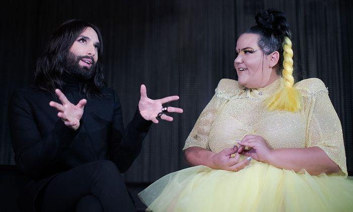 Conchita (links) und Netta vor dem Konzert in Wien.