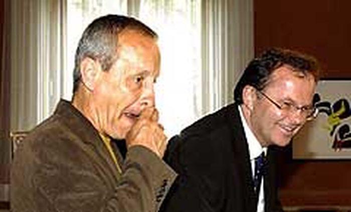 Verschnupft - Peter Pilz (links) und glücklich - Günther Kräuter (rechts)