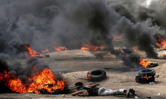 Chaos an der Grenze zum Gazastreifen. Tausende Palästinenser zogen zur israelischen Sperranlage und versuchten, diese zu überwinden. Dutzende von ihnen wurden getötet.