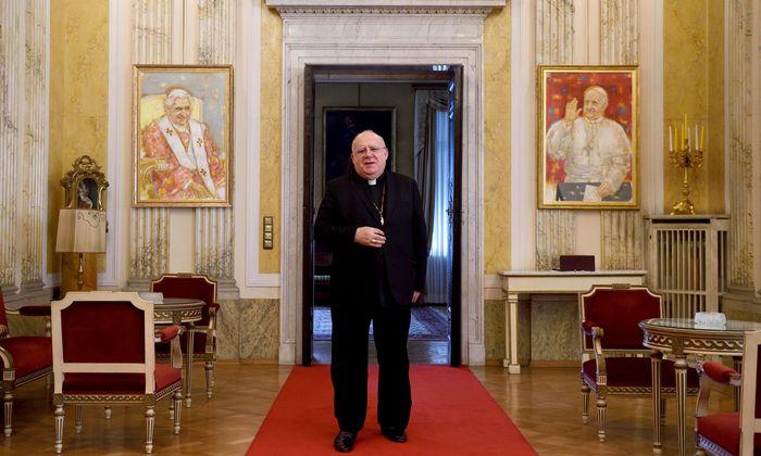 Der neue Botschafter von Papst Franziskus: Erzbischof Pedro López Quintana in seinen Wiener Amtsräumen.