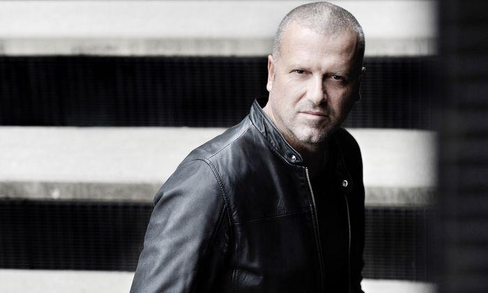 So sieht Österreichs erfolgreichster Thrillerautor aus: der Innsbrucker Bernhard Aichner.