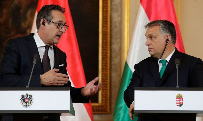 Austria´s Vice Chancellor Strache and Hungary´s PM Orban address a news conference at the Hungarian embassy in Vienna