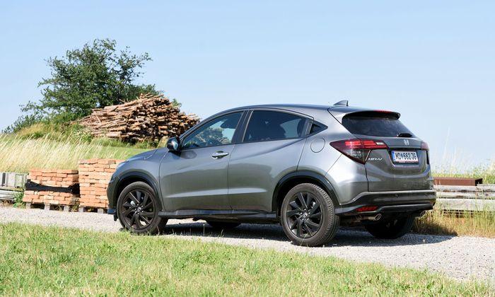 Ich sehe etwas Dunkles kommen – nein, nicht aus dem Auspuff: Honda HR-V Sport.