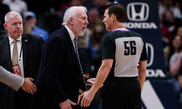 Gregg Popovich und der Schiedsrichter