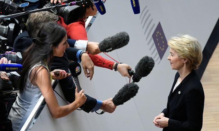 Die designierte Kommissionspräsidentin, Ursula von der Leyen, musste ihren Amtsantritt bereits um einen Monat verschieben.