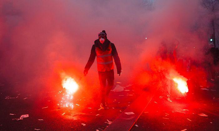 Rente: Weiter Streiks und Proteste in Frankreich