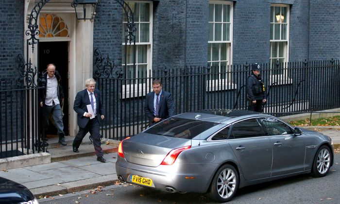 Boris Johnson verlässt Downing Street Nr. 10.