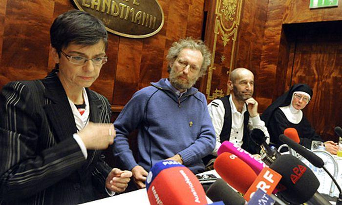 Unter den Unterstützern: die Chefin des Wiener Tierschutzvereins, Madeleine Petrovic.