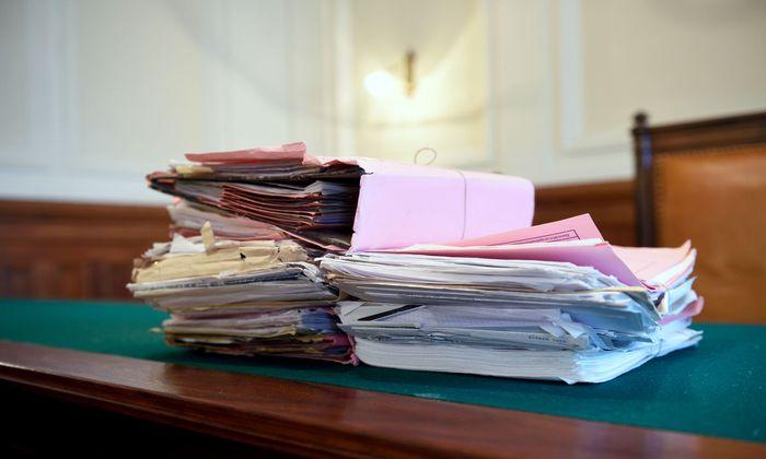Die Personaleinsparungen der letzten Jahre machen sich an Bezirksgerichten stark bemerkbar.