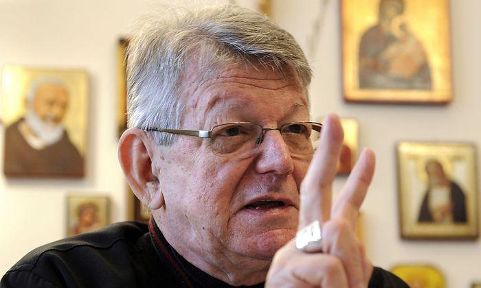 INTERVIEW: BISCHOF ERIN KRAeUTLER