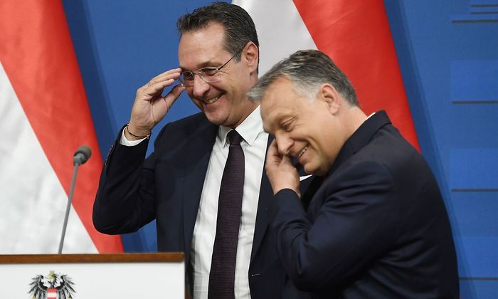Heinz-Christian Strache war sich mit Viktor Orbán (re.) vor allem in der Migrationspolitik einig.