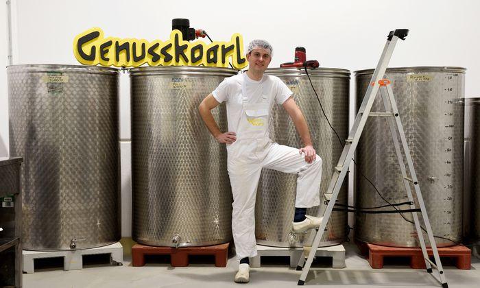 """Karl Severin Traugott: """"Sojasauce ist ein jahrtausendaltes Produkt. Die Innovation bei mir ist, dass ich Lupine statt Sojabohnen verwende."""""""